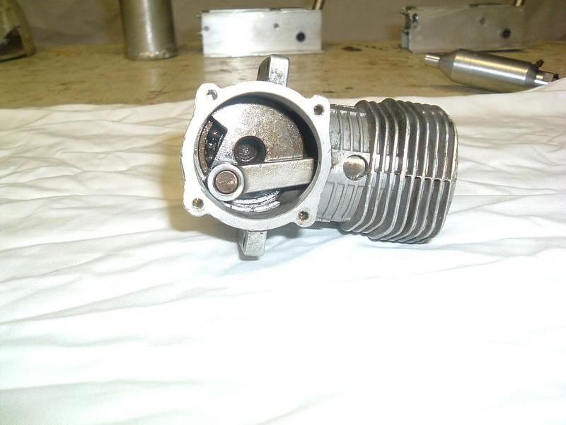 Les moteurs  4 temps (révision et réparations) Dscf2833
