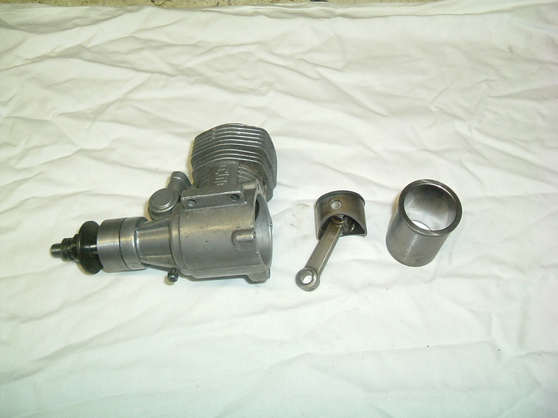 Les moteurs  4 temps (révision et réparations) Dscf2834