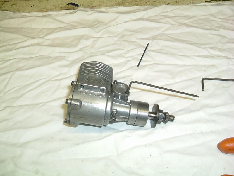 Les moteurs  4 temps (révision et réparations) Dscf2841