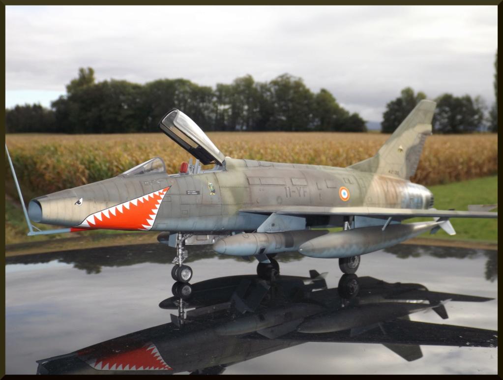F 100-D TRUMPETER 1/32 Dehors16