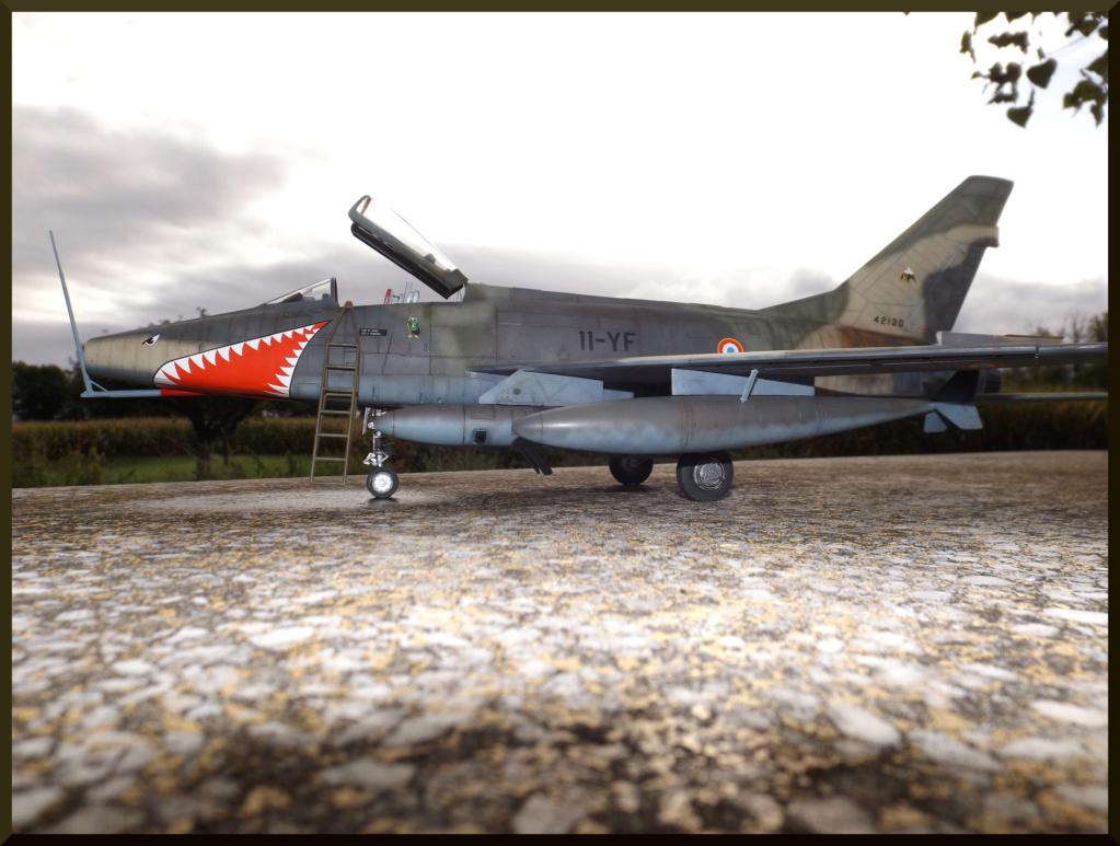 F 100-D TRUMPETER 1/32 Dehors17