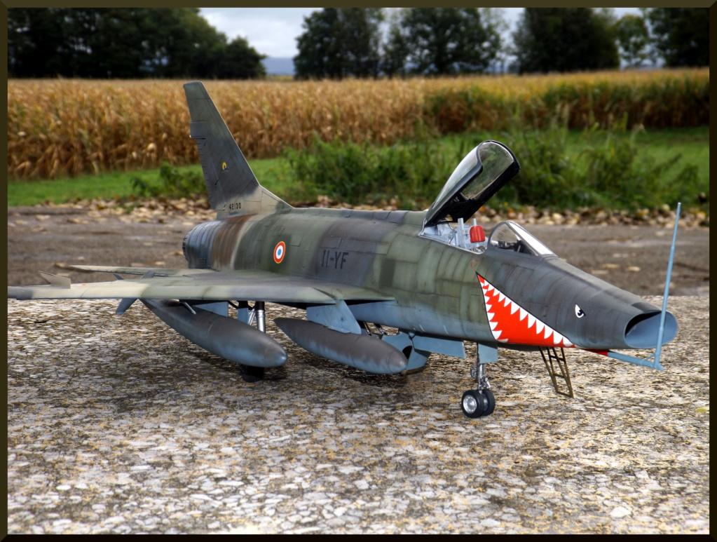 F 100-D TRUMPETER 1/32 Dehors21
