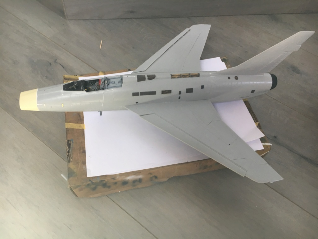 F 100-D TRUMPETER 1/32 - Page 3 Img_5225