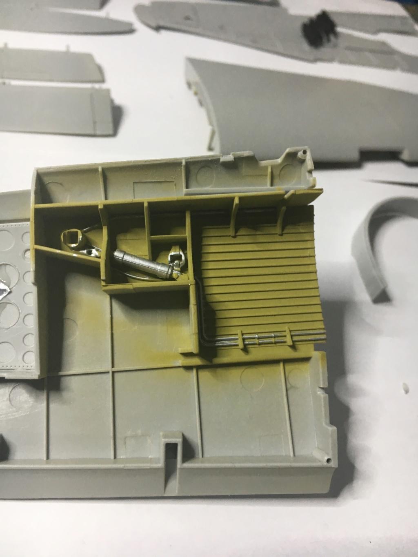 P47-D razorback 1/32 TRUMPETER  P40_ec15