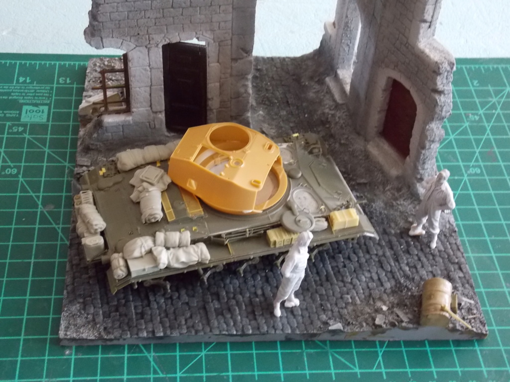 M24 CHAFFEE 1/35(AFV/BRONCO) interieur et decor VERLINDEN  Dscn6619