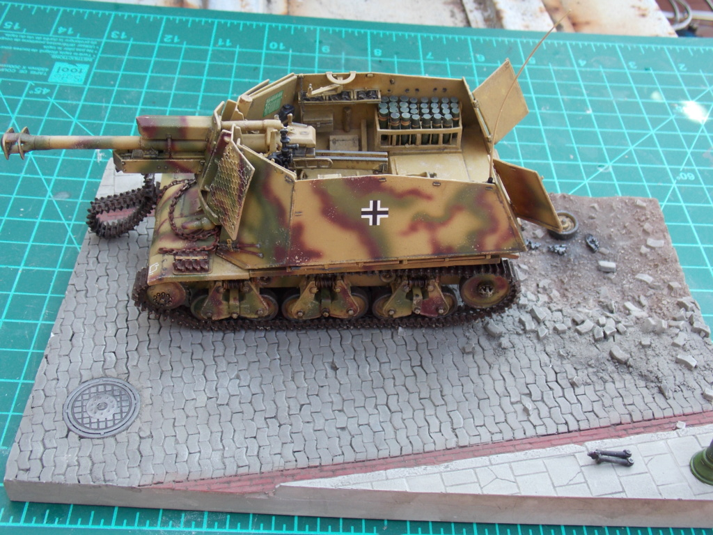 15 cm sFH.13/1 auf Geschutzwagen Lorraine-Schlepper Sd.Kfz. 135/1   RPM 1/35 ème  Dscn6626
