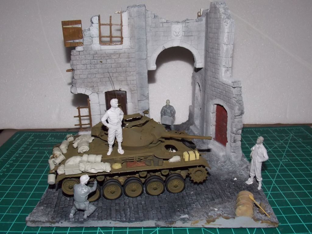 M24 CHAFFEE 1/35(AFV/BRONCO) interieur et decor VERLINDEN  Dscn6727