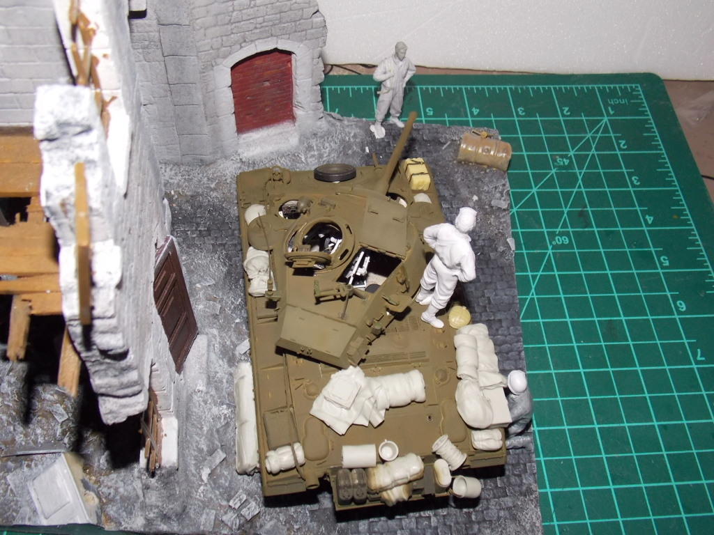 M24 CHAFFEE 1/35(AFV/BRONCO) interieur et decor VERLINDEN  Dscn6731