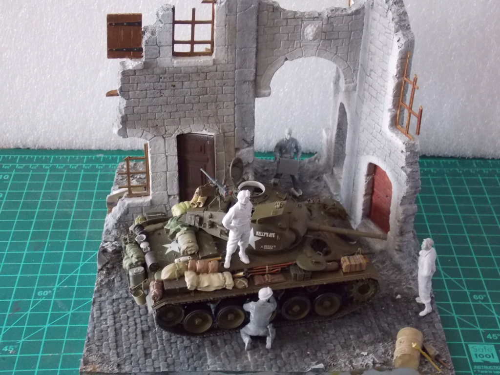 M24 CHAFFEE 1/35(AFV/BRONCO) interieur et decor VERLINDEN  Dscn6733