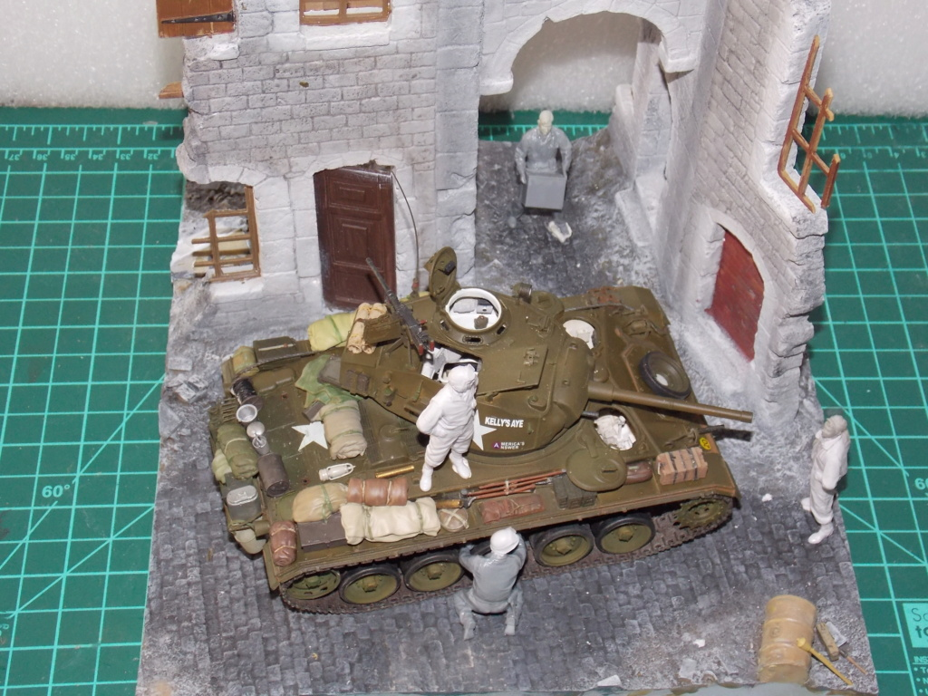 M24 CHAFFEE 1/35(AFV/BRONCO) interieur et decor VERLINDEN  Dscn6734