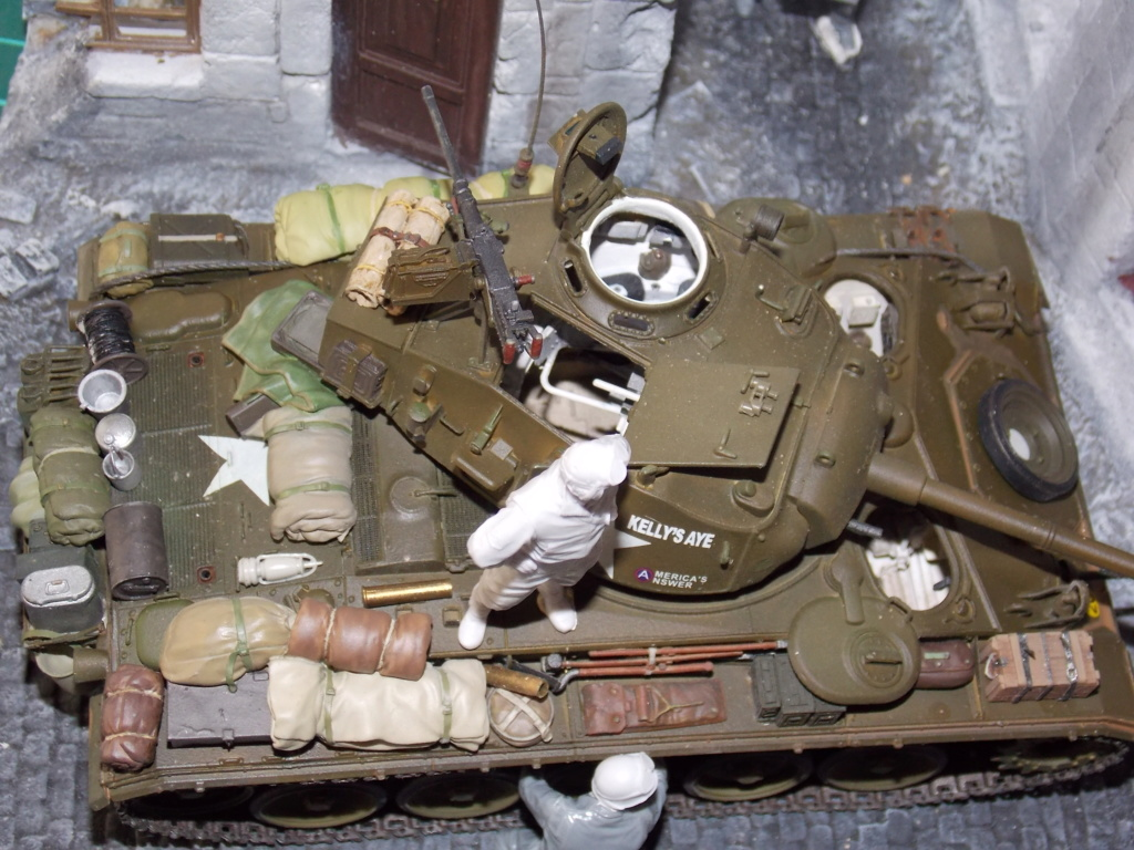 M24 CHAFFEE 1/35(AFV/BRONCO) interieur et decor VERLINDEN  Dscn6736
