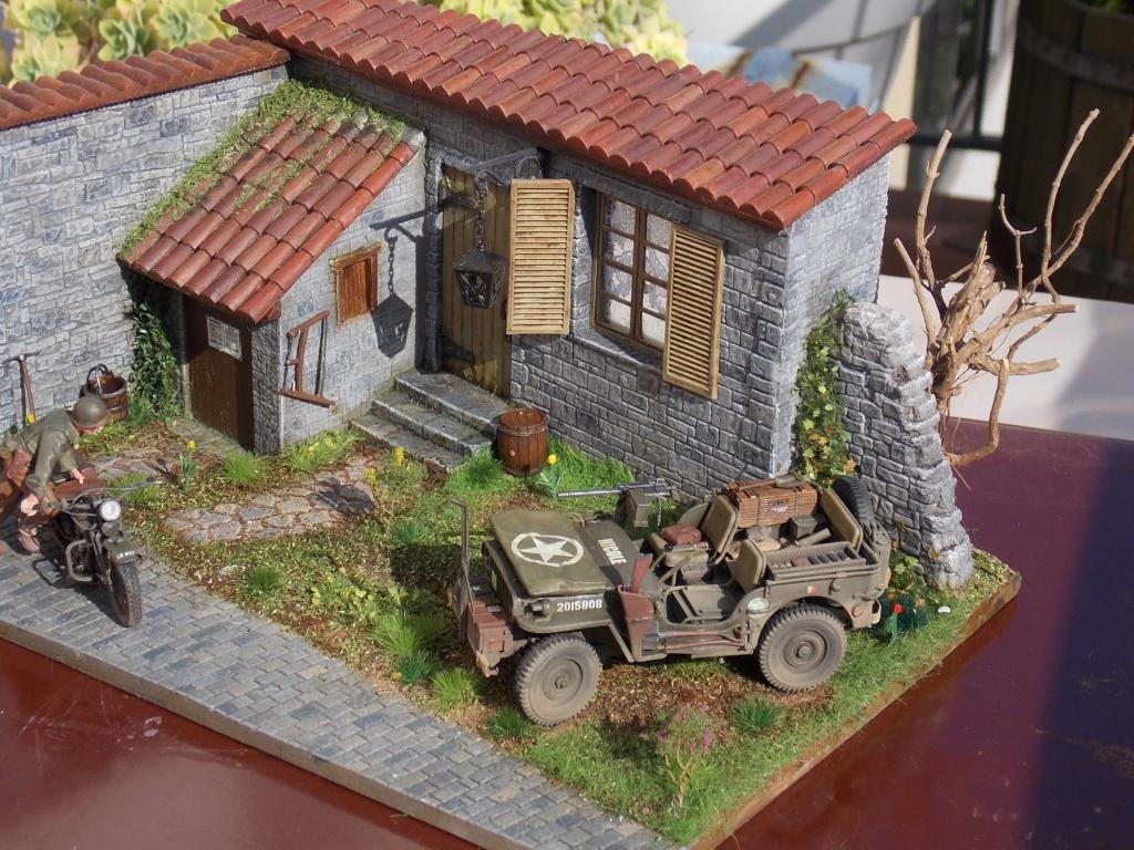 Jeep BRONCO et decor MINIART 1/35  TERMINE Dscn7516