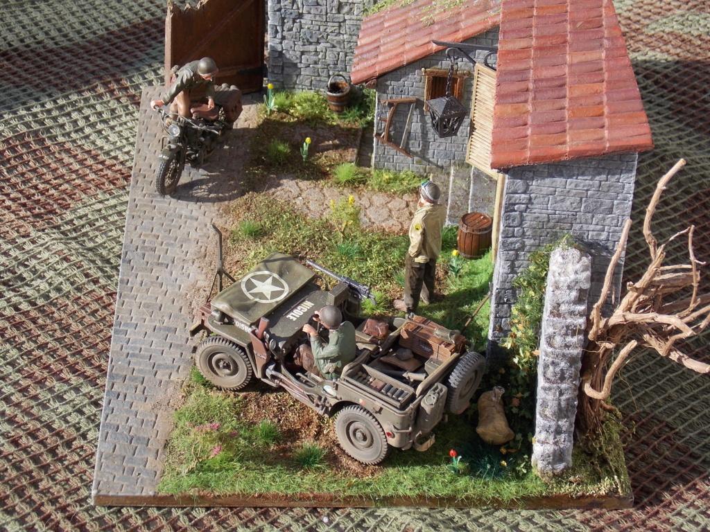 Jeep BRONCO et decor MINIART 1/35  TERMINE Dscn7615