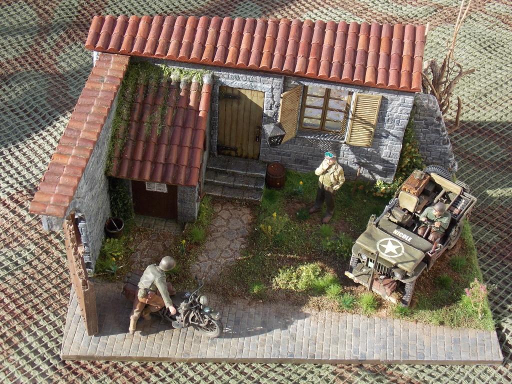 Jeep BRONCO et decor MINIART 1/35  TERMINE Dscn7623