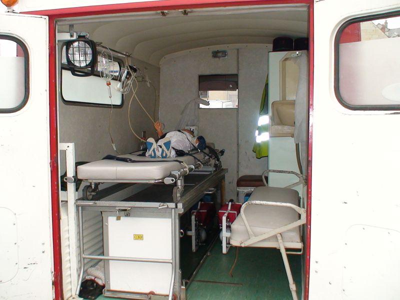 """Présentation & Restauration : HZ ambulance pompie rcarrosserie """"Drouville et Carrier"""" - Page 3 Dsc00010"""