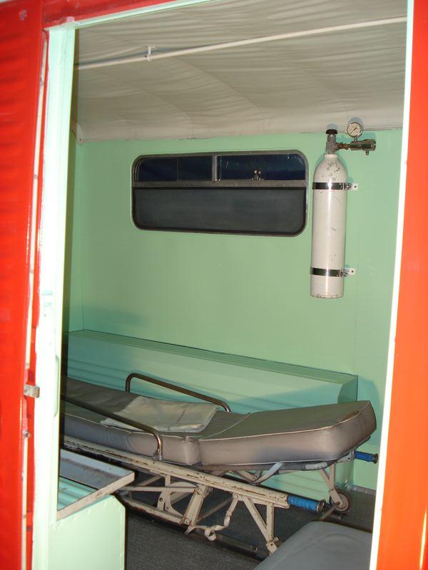 """Présentation & Restauration : HZ ambulance pompie rcarrosserie """"Drouville et Carrier"""" - Page 3 Dsc05212"""