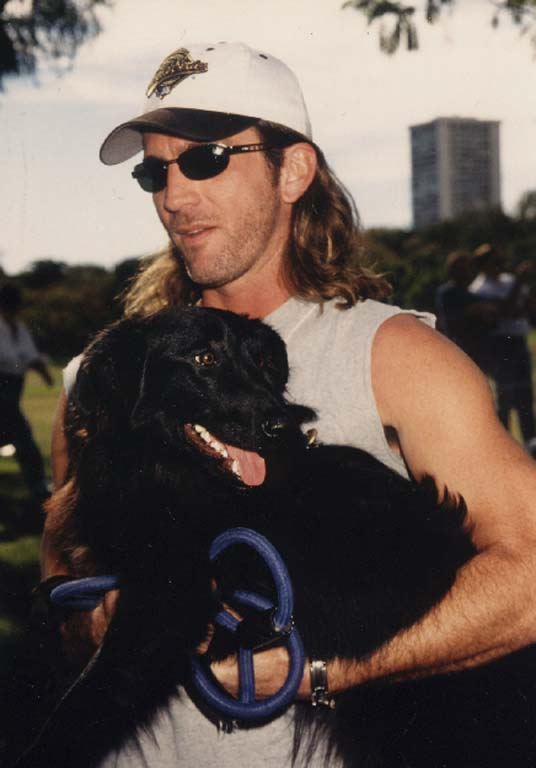 Joe et ses chiens Casqbl16