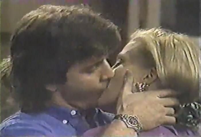 Joe et les baisers Oltl10