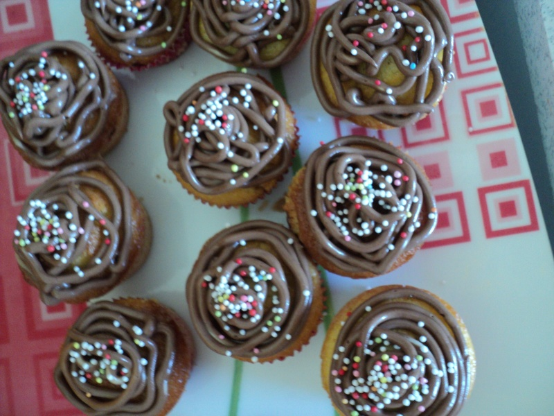 Cupcakes : recettes et décors simples - Page 4 Dsc03810