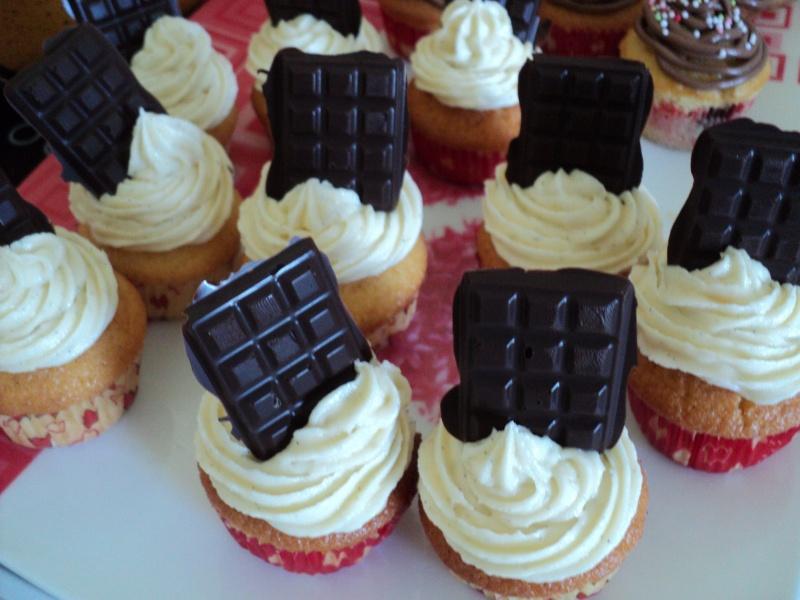 Cupcakes : recettes et décors simples - Page 4 Dsc03811