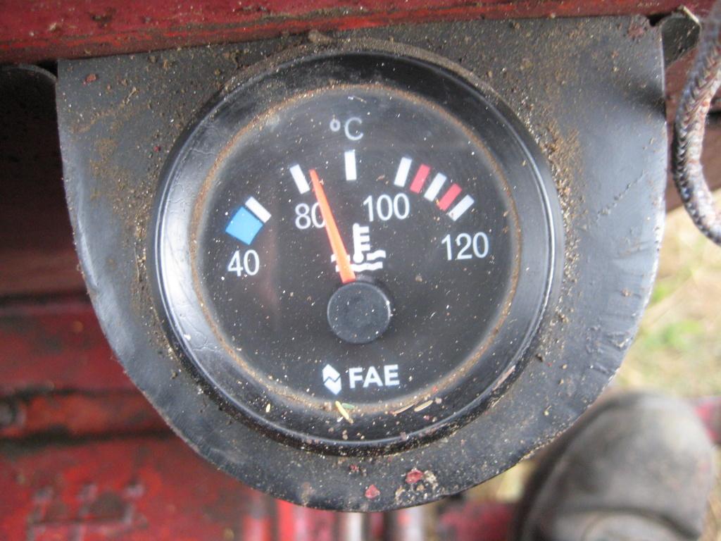 O indicador de temperatura funcionando o desastre. Img_0124