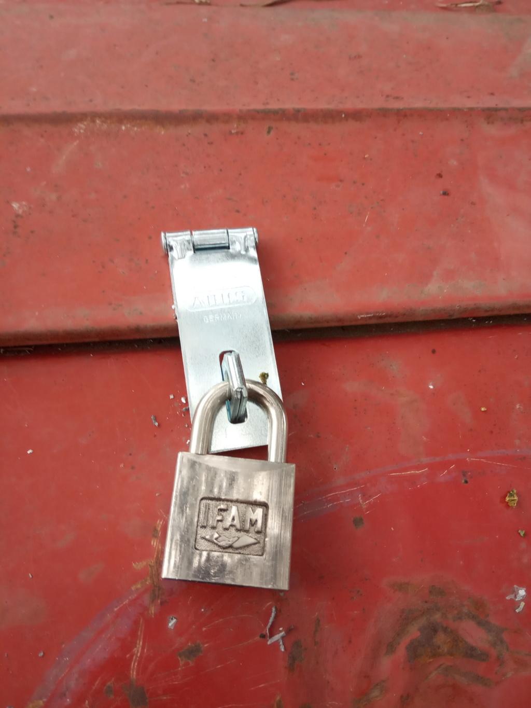 Precauciones fáciles contra robos. Img_2011