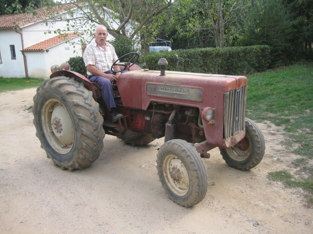 He comprado un International-Harvester B 414 Diesel de 1964. Img_9511