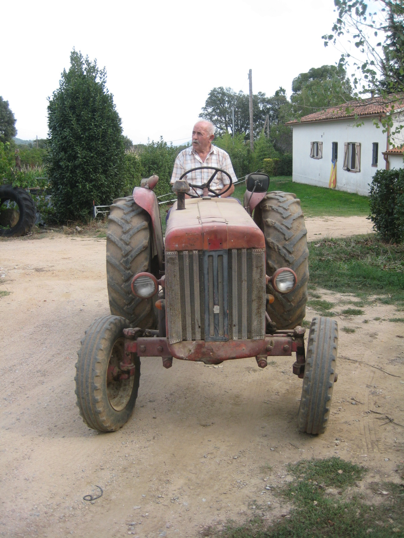 He comprado un International-Harvester B 414 Diesel de 1964. Img_9513