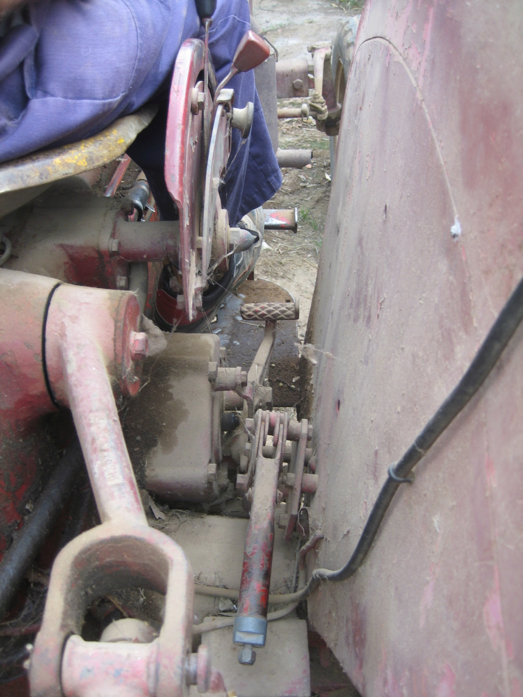 He comprado un International-Harvester B 414 Diesel de 1964. Img_9515