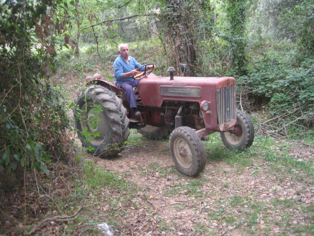 He comprado un International-Harvester B 414 Diesel de 1964. Img_9520