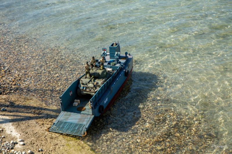 Barge de débarquement 0o3a7310