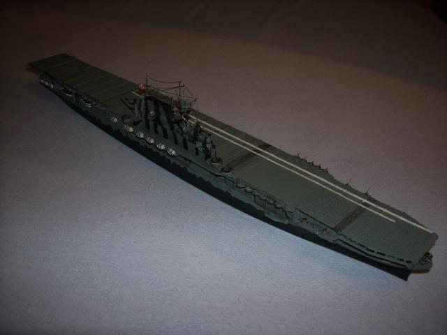 le USS hornet C-V8  Spa51910