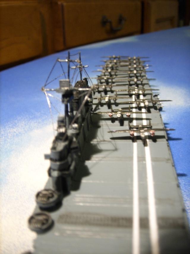 le USS hornet C-V8  Spa51928