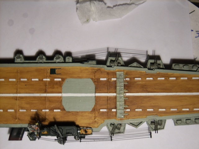 Porte-avions IJN Unryu 1/700 - Aoshima - Page 5 Spa52053