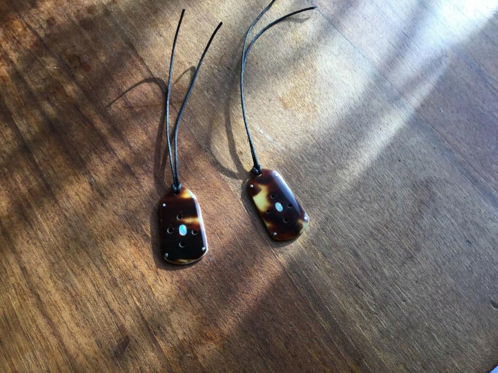 Petits bijoux  04cba610