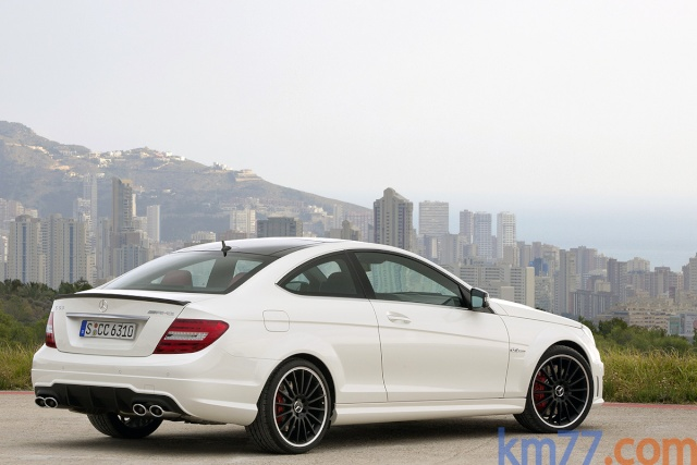 mercedes benz gamme c 63 amg restyl e 2011 nouveaut s autopassion. Black Bedroom Furniture Sets. Home Design Ideas