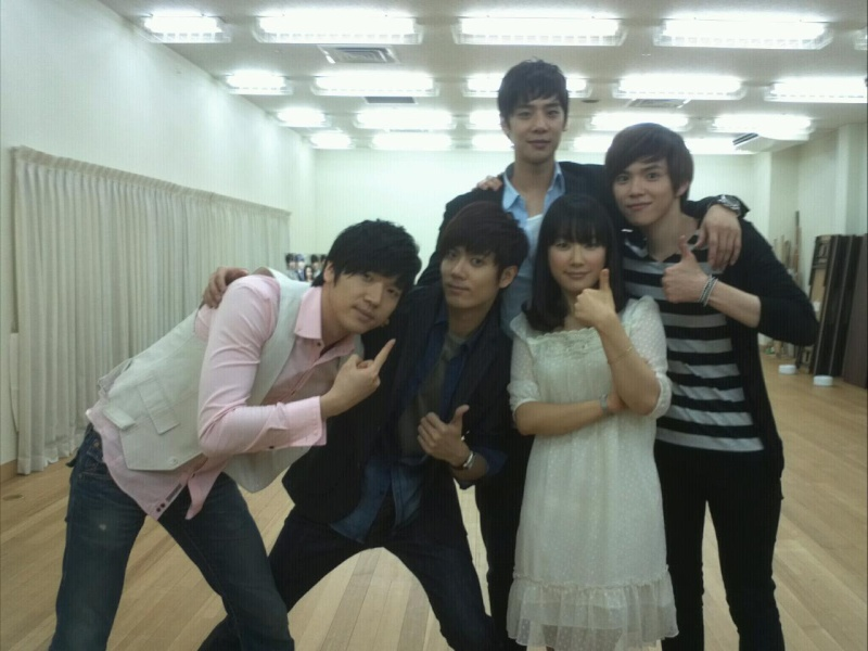[MUSICAL] 08/04/2011 - KyuJong @ Goong Musical  - Page 2 Ts4kjr10