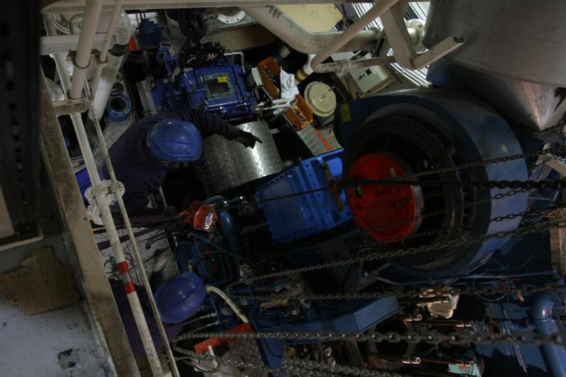 [Reportage] Révision des 10 000 heures et start engine! 14_oct11