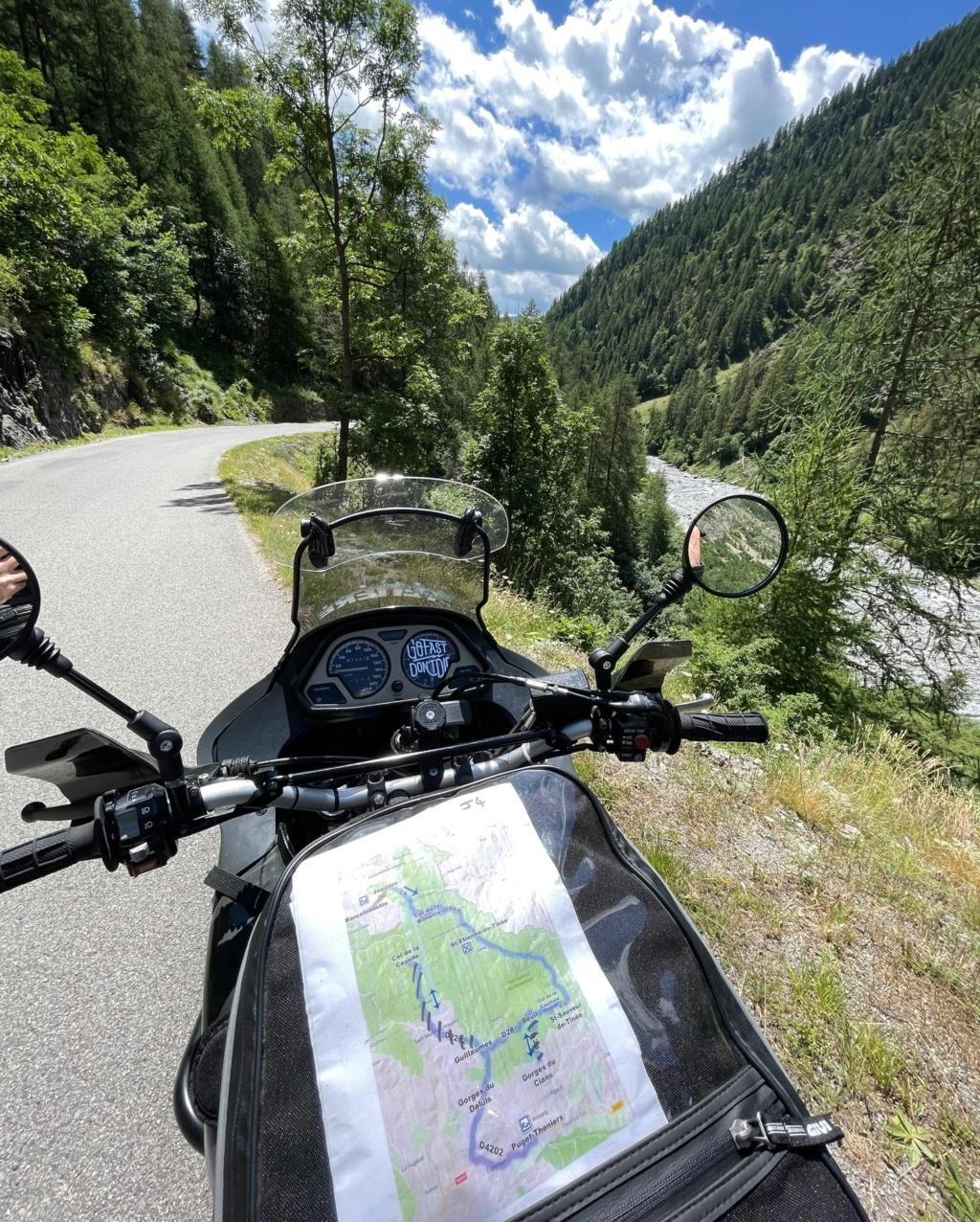 XTZ 750 de 1989 d'Umul : Route des Grandes Alpes Gofast10