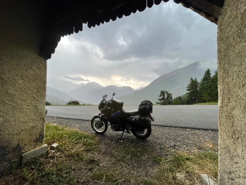 XTZ 750 de 1989 d'Umul : Route des Grandes Alpes Img_9225