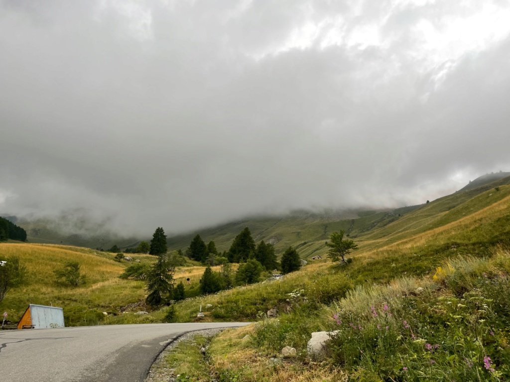 XTZ 750 de 1989 d'Umul : Route des Grandes Alpes Img_9227