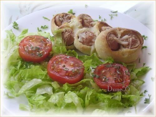 Petits pains aux saucisses  22183113