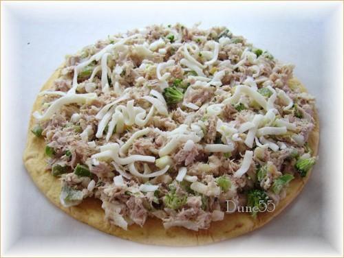 Pizza tortillas au thon 27414110