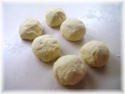 Petits pains aux saucisses  Pict0514