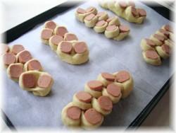 Petits pains aux saucisses  Pict0522
