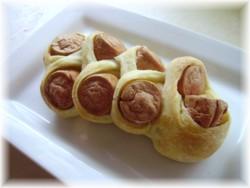 Petits pains aux saucisses  Pict0523