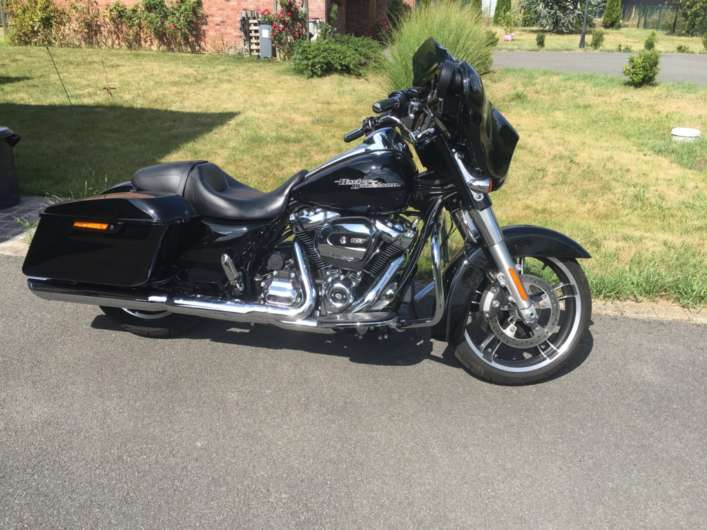 Street Glide VS Road Glide  - Page 7 Img_6615