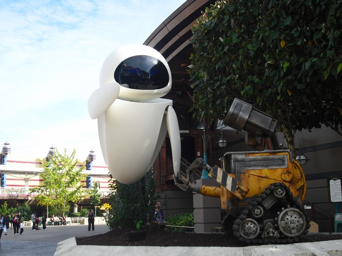 De nouvelles statues WALL•E et EVE  à Discoveryland Cimg2810