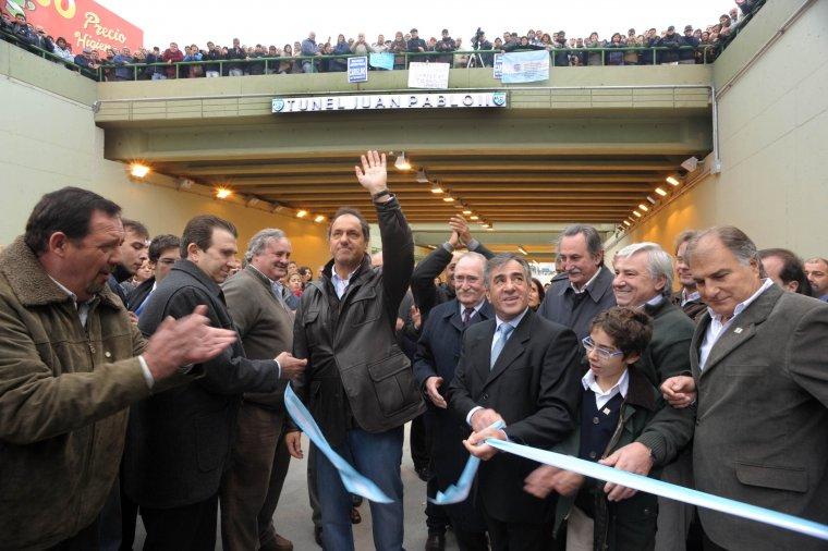 En Malvinas Argentinas se inauguro el Puente bajo nivel Juan Pablo II Siolic10