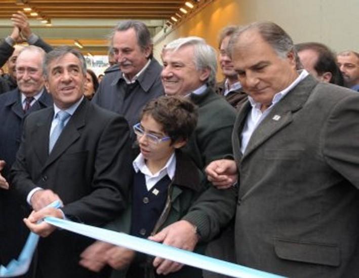En Malvinas Argentinas se inauguro el Puente bajo nivel Juan Pablo II Siolic11
